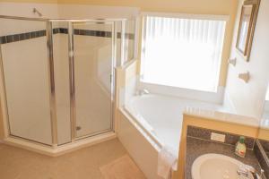 320 Highgate at Legacy Park 4 Bedroom Villa, Vily  Davenport - big - 18