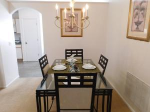863 Hampton Lakes 3 Bedroom Villa, Vily  Davenport - big - 13