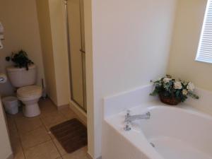 863 Hampton Lakes 3 Bedroom Villa, Vily  Davenport - big - 8
