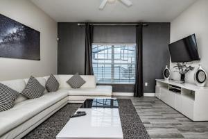 1590 Champions Gate Resort 4 Bedroom Townhouse, Дома для отпуска  Давенпорт - big - 1