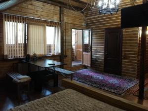 Alphouse Azau - Khurzuk