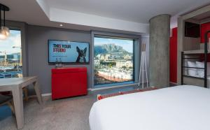 Radisson RED Hotel, V&A Waterfront Cape Town (40 of 57)