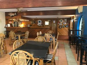 Tipi and Bobs Waterfront Lodge, Turistaházak  Tryphena - big - 85