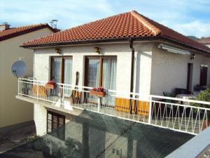 Apartment Novi Vinodolski 2417a