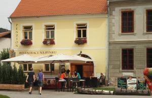 Albergues - Penzion Restaurace Na Rynku