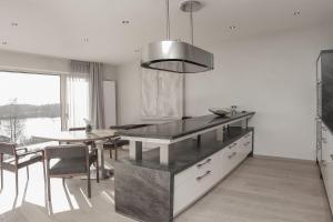 Lebensart-am-See-Design-Ferienwohnung-Atmos-direkt-am-See - Alteiselfing