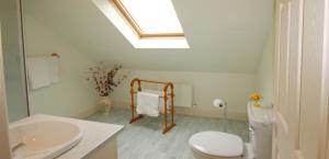 Honeysuckle Lodge, Dovolenkové domy  Clifden - big - 22