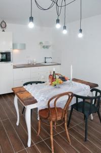 Anita Home, Apartmány  Gyenesdiás - big - 64