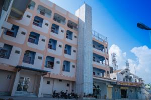 Hotel Chanma International - Podanūr Junction