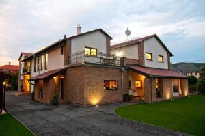Anita Home, Apartmány  Gyenesdiás - big - 46