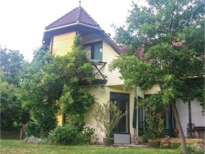 Four-Bedroom Apartment in Band - Szentgál
