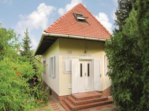 obrázek - Three-Bedroom Holiday Home in Balatongyorok
