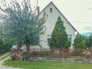Three-Bedroom Holiday Home in Hegymagas, Dovolenkové domy  Hegymagas - big - 12
