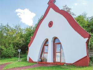 Three-Bedroom Holiday Home in Balatonendred
