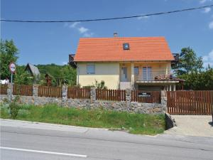 obrázek - Three-Bedroom Holiday Home in Szentendre