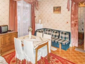 Three-Bedroom Apartment in Eger - Eger