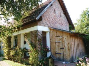 Two-Bedroom Holiday Home in Oriszentpeter, Dovolenkové domy  Őriszentpéter - big - 1