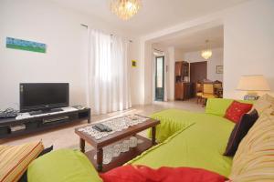 Botteghelle 55, Apartments  Salerno - big - 18
