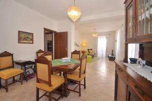 Botteghelle 55, Apartmanok  Salerno - big - 11