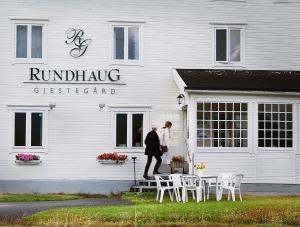 Albergues - Rundhaug Gjestegard
