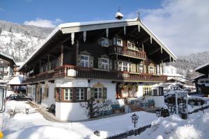 Landhaus Lenzenhof - Hotel - Reit im Winkl