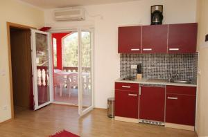 Apartment Vinisce 4886b, Ferienwohnungen  Vinišće - big - 16
