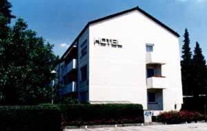 Hotel Huber garni - Karlsfeld