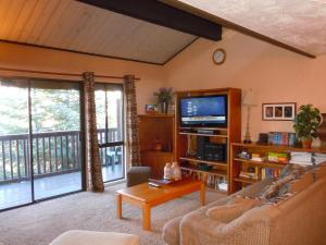 Two-Bedroom Premier Townhouse Unit #26 by Snow Summit Townhouses - Hotel - Big Bear Lake