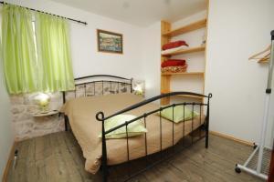 Apartment Scedro - Uvala Karkavac 8801d, Appartamenti  Jelsa (Gelsa) - big - 2