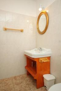 Apartment Scedro - Uvala Karkavac 8801d, Appartamenti  Jelsa (Gelsa) - big - 12