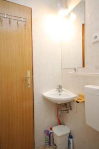 Apartment Scedro - Uvala Karkavac 8801d, Appartamenti  Jelsa (Gelsa) - big - 14
