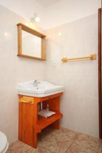 Apartment Scedro - Uvala Karkavac 8801c, Appartamenti  Jelsa (Gelsa) - big - 12
