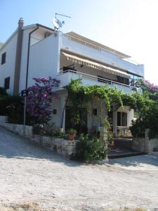 Apartments with a parking space Seget Vranjica (Trogir) - 11273