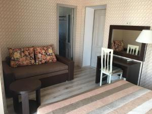 Hotel Chernomorsky Complex of Townhouse, Hotely  Kabardinka - big - 77