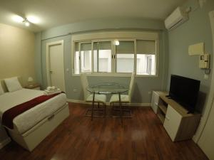 Apartamentos Gold Cervantes, Apartmány  Málaga - big - 56