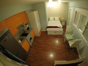 Apartamentos Gold Cervantes, Apartmány  Málaga - big - 57