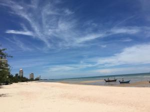 Seaside Apartment at Cha-Am - Ban Bo Khaem
