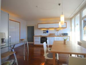 Apartment Seeblick by Alpen Apartments, Apartments  Zell am See - big - 7