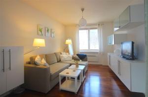 Apartment Seeblick by Alpen Apartments, Apartments  Zell am See - big - 9