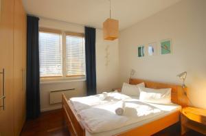 Apartment Seeblick by Alpen Apartments, Apartments  Zell am See - big - 10
