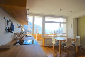 Apartment Seeblick by Alpen Apartments, Apartments  Zell am See - big - 13