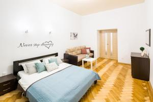 Bright and cozy apart with balcony - Apartment - Lviv