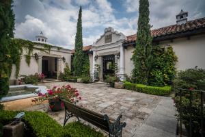 Pensativo House Hotel - Santa Ana