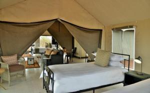 Nogatsaa Pans Lodge, Lodge  Kasane - big - 2