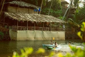 Krishna Paradise Beach Resort, Campeggi di lusso  Cola - big - 61