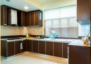 Luxury 4 Bedrooms Suite near Queensbay Mall by D Imperio Homestay, Appartamenti  Bayan Lepas - big - 3
