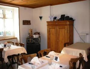 Chez Gilles, Hotely  La Chaux-de-Fonds - big - 20