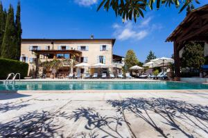 Accommodation in Roquefort-les-Pins