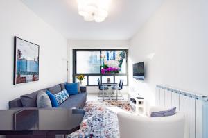 Colony Suites - Hildesheimer St.