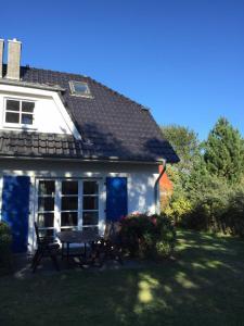 Haus Zeesenboot Ferienwohnung Luv - Hiddensee
